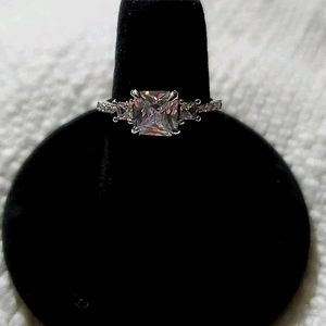 NWOT Silvertone Ring with CZ stones